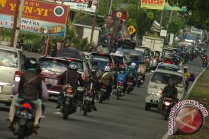 Arus kendaraan Cianjur-Bandung Kamis sore normal