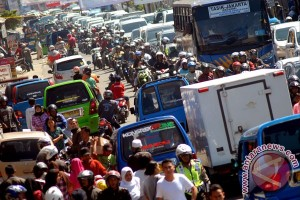 Pemudik bersepeda motor lintasi Bogor meningkat Selasa pagi
