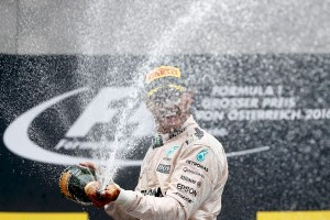 Hamilton juara GP F1 Brazil, penentuan juara kian sengit
