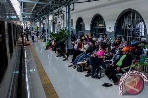 Jumlah penumpang kereta api Sumut 98.083 kursi