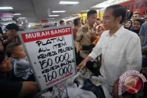 Presiden Kunjungi Pusat Perbelanjaan