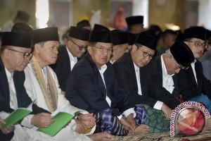 Wapres Salat ID Di Istiqlal