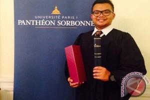 Bhirawa, orang Indonesia pertama peraih LLM hukum Prancis