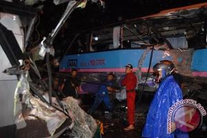 Dua bus terlibat kecelakaan di Sidoarjo