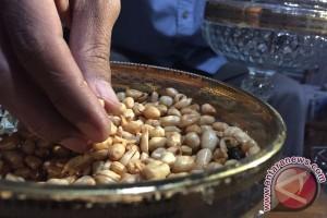 Kacang tojin, camilan wajib saat Lebaran di Sumatera Barat