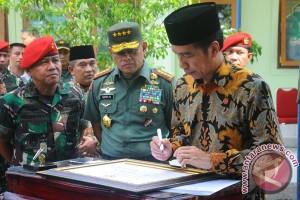Presiden Jokowi tekankan kinerja TNI-Polri harus cepat, profesional