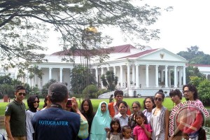 Kebun Raya Bogor dipadati 21.045 pengunjung