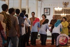 Sultan-Hemas halal bihalal dengan masyarakat Yogyakarta