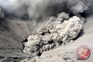 Lumajang siapkan ribuan masker mengantisipasi abu Gunung Bromo
