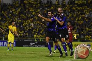 Persib bertekuk lutut kepada Madura United