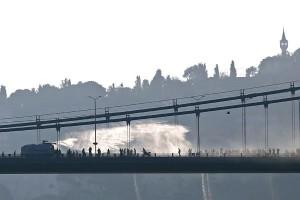 Korban kudeta Turki dijadikan nama jembatan Bosphorus