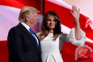 Usai dipakai pidato, gaun istri Donald Trump ludes terjual