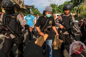 Penggeledahan Terduga Teroris Sukoharjo