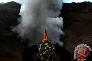 Ritual Yadnya Kasada Suku Tengger