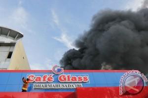 Kebakaran Cafe Glass