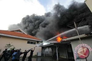 Polisi: kebakaran pabrik kimia di Deltamas akibat kelalaian