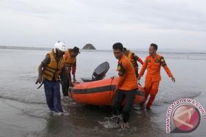 Warga Aceh jatuh ke sungai belum ditemukan