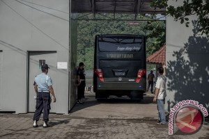 Polisi sterilisasi area Dermaga Wijayapura Cilacap