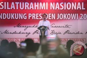 Jokowi perbesar baju agar tak terlihat kurus