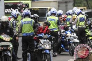 Polisi beri penghargaan bagi pengendara patuh peraturan