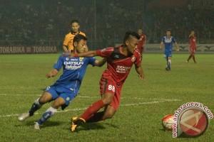 Semen Padang FC tundukkan Persib 4-0