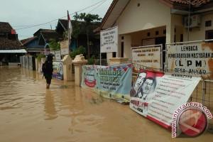 Banjir Bandang Di Anyer