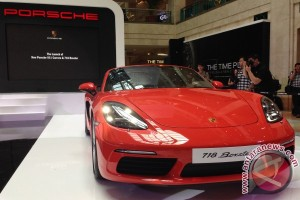 Ini spesifikasi Porsche 718 Boxster terbaru