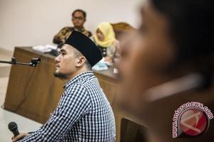 KPK periksa hakim tinggi kasus Saiful Jamil