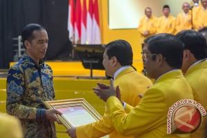 Jokowi minta konsistensi dukungan Partai Golkar