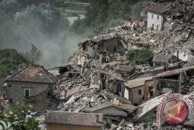 Korban tewas akibat gempa Italia naik menjadi 247
