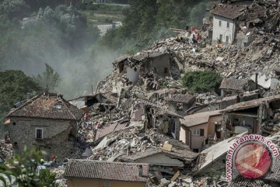 Korban jiwa akibat gempa di Italia lebih dari 100 orang