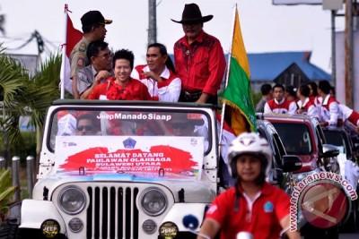 Liliyana Natsir Diarak Keliling Kota Manado