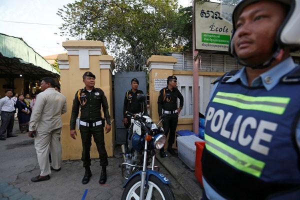 Kamboja kerahkan 1.500 polisi di tempat ujian sekolah