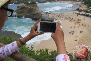 Berburu lanskap panorama indah di Pantai Klayar