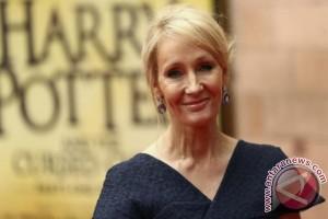 JK Rowling minta penggemar tidak pelihara burung hantu