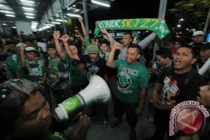 Jelang Unjuk Rasa Bonek Di Jakarta