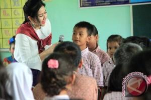 Anggota DPR akan awasi program kurikuler