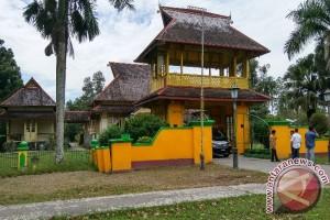 Bertandang ke Istana Kesultanan Sambas