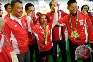 Peraih medali Olimpiade resmi terima hadiah rumah