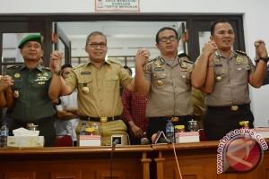 Wali Kota Makassar serahkan CCTV penyerangan ke Mendagri
