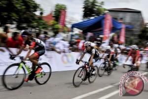 Start Tour Singkarak Etape V diundur akibat kecelakaan
