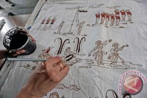 Warga Gunung Kidul gelar aksi mural batik