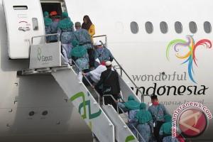 Satu penerbangan haji dialihkan ke Soekarno-Hatta