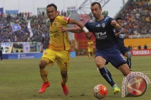 Arema Cronus Tahan Imbang Sriwijaya FC