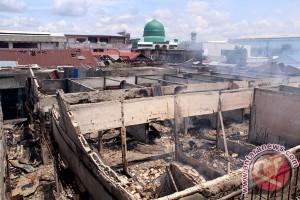 Kebakaran hanguskan enam kios Pasar Inpres Dayamurni