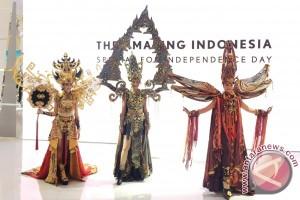 Peringati 17 Agustus, Lexus gelar parade busana tiga Putri Indonesia 2016
