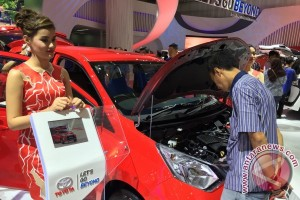 Mesin Dual VVT-i Calya bikin penasaran pengunjung booth Toyota