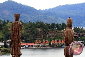 Lake Toba organizes carnival to boost tourism