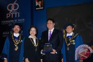 Penghargaan Untuk Menteri Perindustrian
