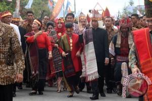 Pelepasan Karnaval Kemerdekaan Pesona Danau Toba